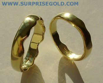 wavy wedding rings pair in yellow gold or white gold